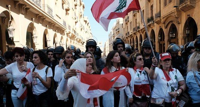 كامل دعمنا لكفاح الشعب اللبناني من أجل انعتاقه من الظلم الاجتماعي ودوامة الديون غير المشروعة
